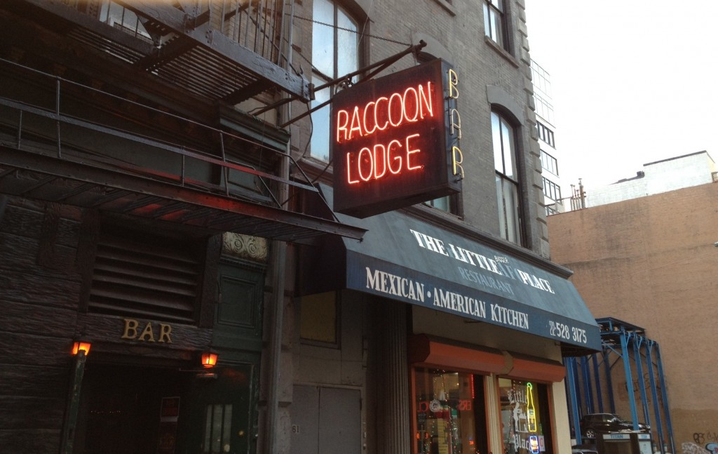 NEW YORK: RACCOON LODGE